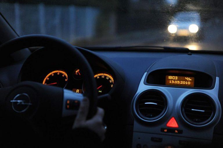 Dlaczego ubezpieczenie dla młodych kierowców jest drogie?