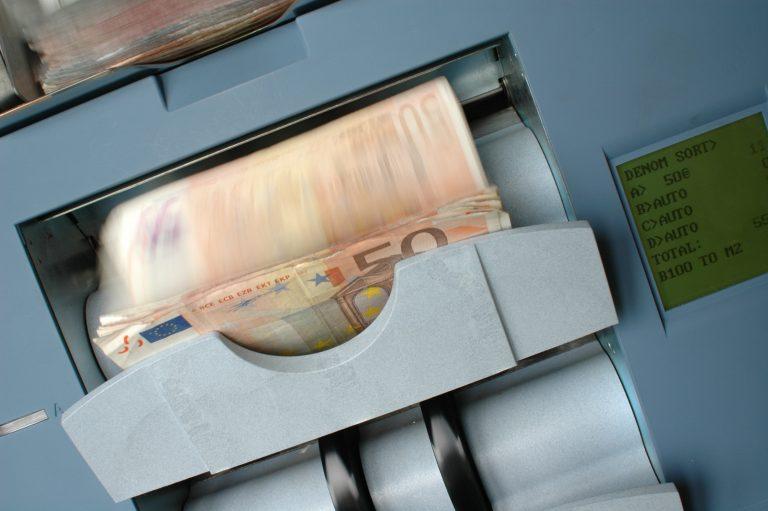Doskonały doradca kredytowy – jakiego wybrać?